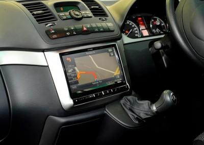 "Mercedes Valente X009 9"" Navigation Multi Media Head Unit - Signature Car Sound"