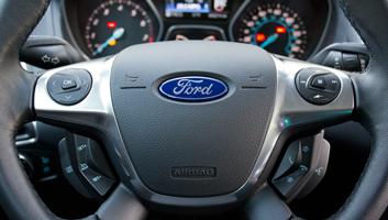 ford-focus-2012-steering-wheel